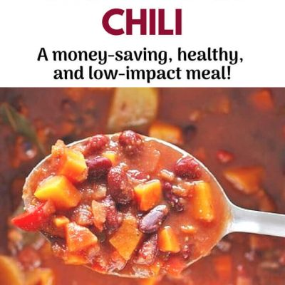Vegetarian/vegan chili recipe ~ Satisfying meatless meals like this vegan chili are good for your health, the planet, and your pocketbook. So tasty you won't miss the meat! Click to read more or re-pin to save for later! #vegan #vegetarian #meatlessmeals #eatforthepanet #lowcarbondiet #chilirecipe #veganchili #veganrecipe #vegetarianrecipe #vegetarianchili