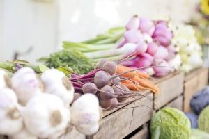 live healthier -- photo of vegetables at farm stand