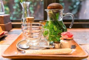 uses for lemon balm