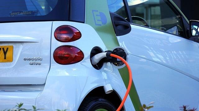 fuel efficient cars -- phot of car charging